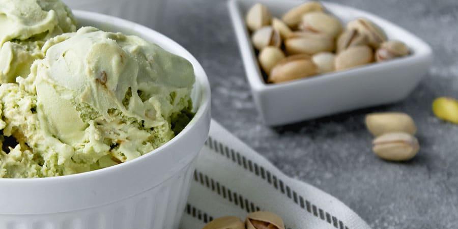 helado de pistacho natural mondado meditts